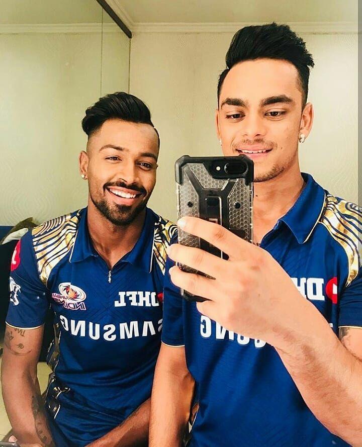 4 241 Likes 12 Comments Hardik Pandya Hardikpandya93 Fanclub On Instagram Hotness Overloaded Follow Ha Mumbai Indians Cricket Wallpapers Cricket