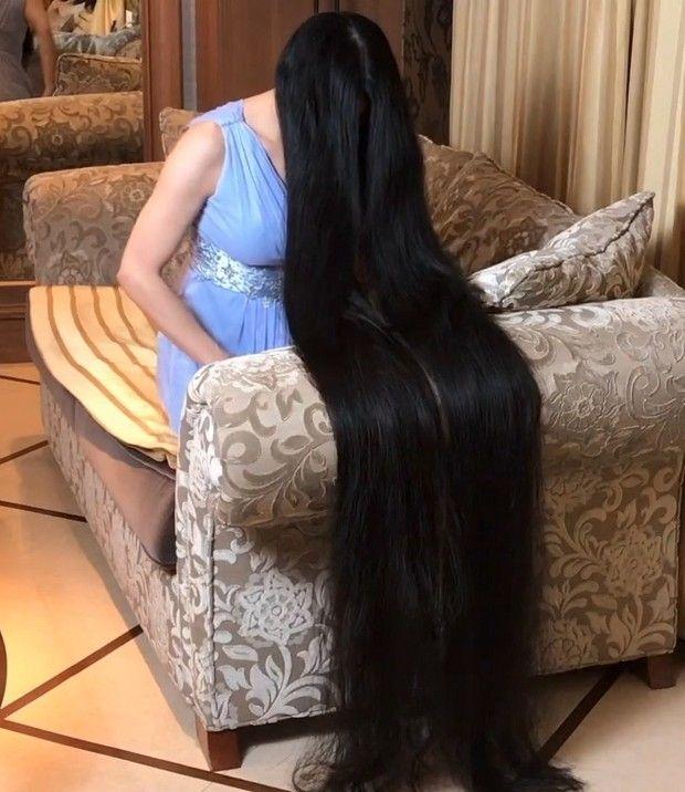 Video Rin S Sofa Long Hair Styles Long Black Hair Long Hair Pictures