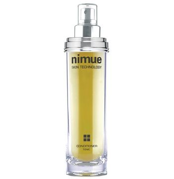 Hyperpigmentation Range Product 2: Conditioner. Specially formulated treatment solution to accelerate skin rejuvenation. Contains Alpha Hydroxy Acids, Tea Tree oil and essential oils. Available as a refill. 140ml. Nimue Skin Technology.