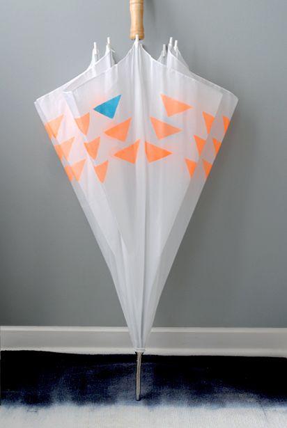 MAKEKIND: Creative DIY projects from graphic designer, Christine Wisnieski | Design For Mankind: Diy Ideas, Buena Ideas, Crafts Ideas, Diy'S, Stencil Umbrellas, Diy Crafts, Diy Umbrellas, Craft Ideas, Diy Projects