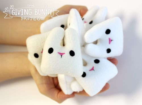 Urban threads giving bunny project. The idea behind him is that you stitch up as many little adorable bunnies as your heart desires (they're really easy to make) and then you leave them in public spaces with a little printable tag as a gift for a stranger to discover.