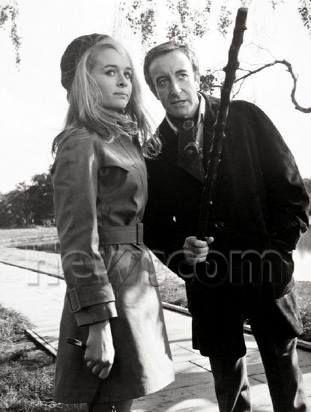 Peter Sellers and Sinead Cusack in Hoffman (1970)