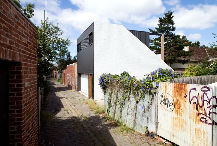 Image 12 of 22 from gallery of Garage House / Foomann Architects. Photograph by Willem-Dirk Du Toit