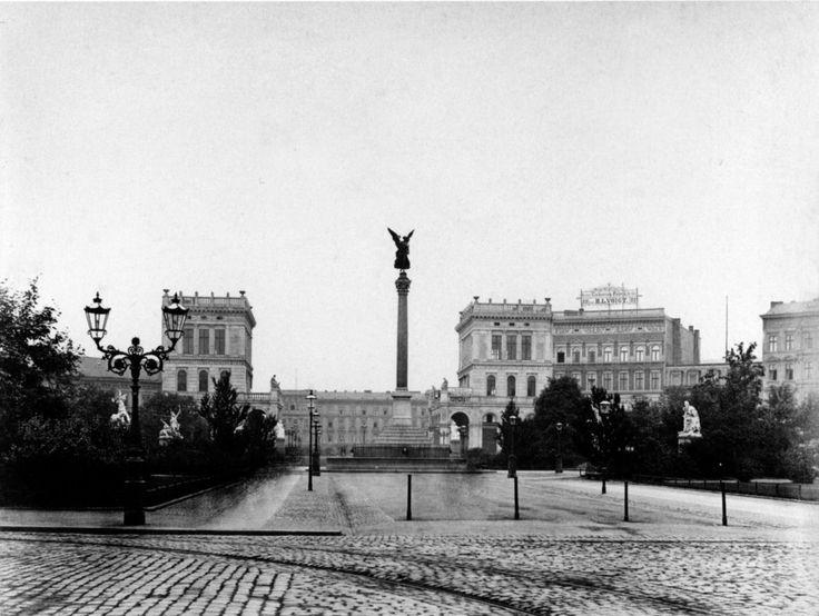 1887 Berlin - Belle-Alliance-Platz (heute Mehringplatz), Blick nach Süden.