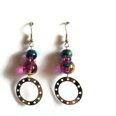 Boucles d'oreilles en perles de verre couleur améthyst avec reflets doré et bleu et anneau en métal argenté