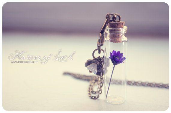 Kleine bloem fles ketting. Glazen fles hanger. Schattige ketting. Hanger ketting miniatuur fles gedroogde bloem ketting glazen flacon hanger