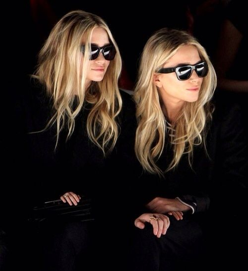 Front row.: Olsen Twin, Hair Colors, Luxury Fashion, Fashion Week, Ashley Olsen, Ashleyolsen, Fashion Blog, Mary Kate, Olsen Twin