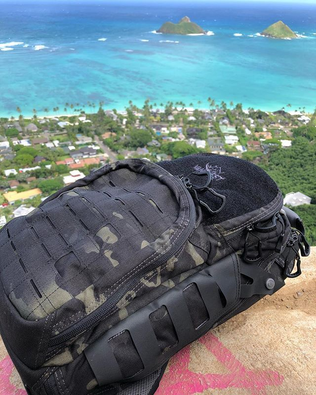 f0900d063f6  Vanquest love from  Hawaii . .  vanquestgear  multicam  multicamblack   blackmulticam  hiking  stayinshape  edc  islandlife ...