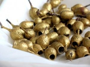 Golden Gumnuts - learn how to make easy aussie christmas decorations!