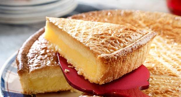 Gâteau basque à la fleur d'orangerVoir la recette du Gâteau basque à la fleur d'oranger >>