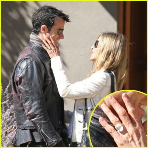 So Justin Theroux finally popped the question to Jennifer Aniston last year but we can't help but have a better look at that huge rock. The eight carat engagement ring that's estimated to have cost Theroux $500,000 takes up half of Jen's finger! Is it too big, too dry, too gaudy? But hey, Aniston hasn't been very lucky with love for a while now so I hope she's happy. And if she is, then we can leave it at that.