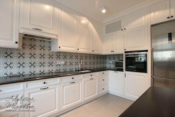 ciąg roboczy w kuchni klasycznej, handmade kitchens, wooden furniture, traditional style kitchens, white kitchen cabinets, kuchnie angielskie, meble na wymiar - wykonanie Artystyczna Manufaktura