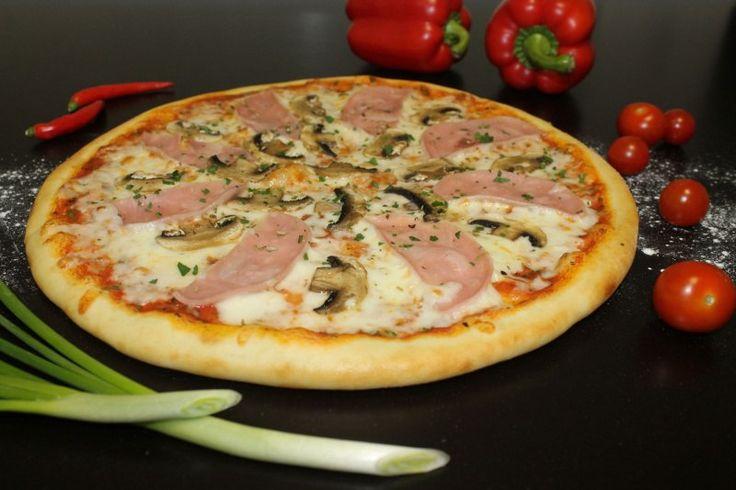 """Наша бесподобная пицца С ветчиной и грибами http://elitavkusa.ru/pizza-geleznodorogniy/s-vetchinoj-i-gribami.html  Состав: томатный соус, сыр """"Моцарелла"""", ветчина из индейки, шампиньоны, специи  Цена: 360 рублей  Доставляем вкусняшки ну оччччень быстро по Железнодорожному🚀  👌Вкус удовольствия - оторваться невозможно!👌"""