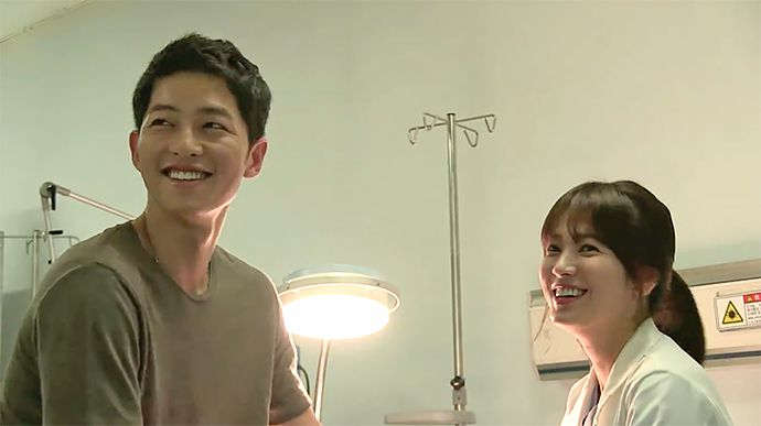 "Song Joong Ki & Song Hye Kyo Give in to Laughter in New ""Descendants of the Sun"" BTS Video 