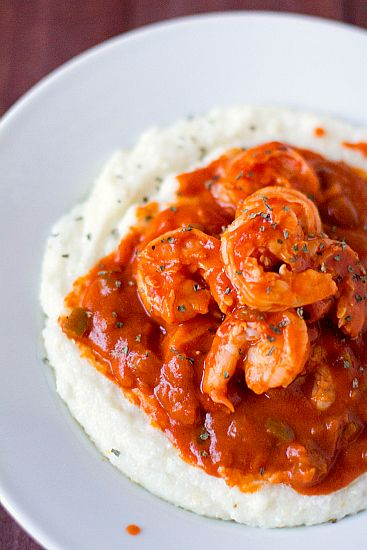 I had some Creole Shrimp and Grits from Cheesecake Bistro the other day, and I'm STILL thinking about them. Maybe this pic will help me forget, kinda like singing the song that's stuck in your head.... nope, didn't work. Delish!