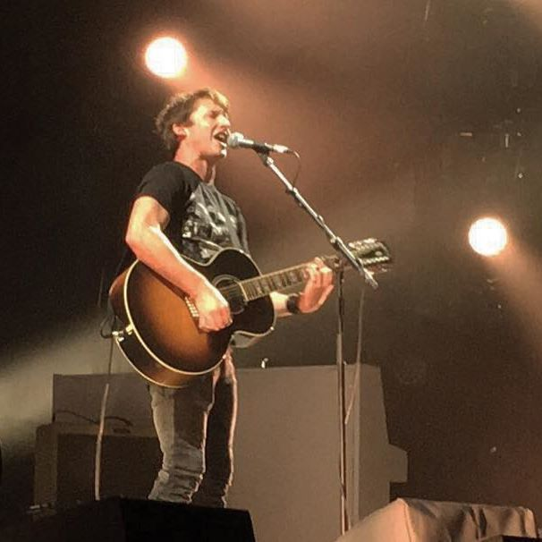 1st concert of The Afterlove World Tour, Stuttgart, Germany 12.10.2017 Heute live aus der Schleyerhalle. Eine wunderbare Stimme!  •••  @jamesblunt @hallenduo   #jamesblunt #theafterlovetour #afterlove #beautiful #schleyerhalle #stuttgart #easyticket #easyticketservice
