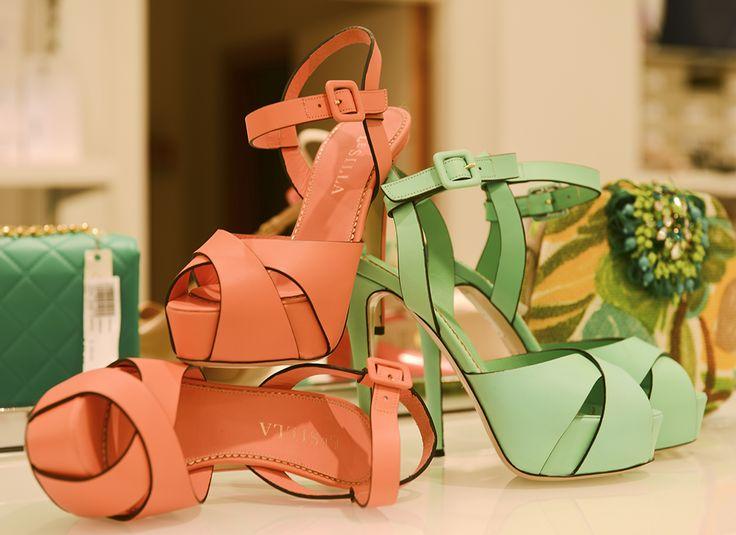 Scopri i sandali #Leislla #Evolutionoutlet #shop #Polignaoamare #evolutionpolignano #sole #mare #evolution #evolutionboutique #shopping #giovedì #sandalioutlet #shoesoutlet #eleganza #colori #Primaveraevolution #igersbari #igs #eccellenza #moda #Puglia #galmour #modadonna #chic #abbigliamento #shoesoutlets
