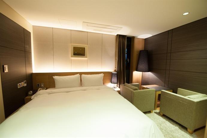 OopsnewsHotels - Hotel Rian