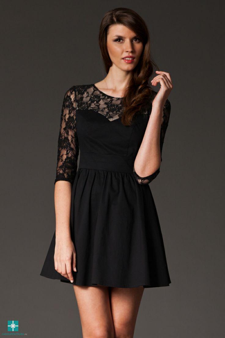 Rochie clos neagra cu insertie de dantela
