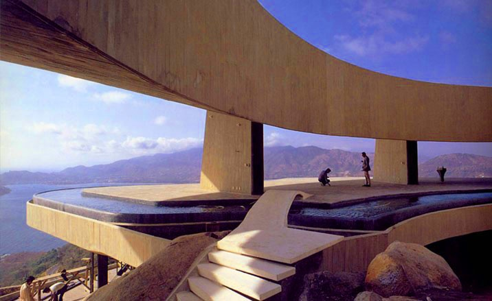 JOHN LAUTNER creates daring and innovative spaces that fit each design situation and which meet each client's individual requirements. Utilizing visually intriguing and functionally ingenious spaces, Lautner creates houses with vast clear span interiors. He integrates water and the surrounding landscape into his overall design. He boldly experiments with new industrial processes and materials in his continual search to meet total human needs.
