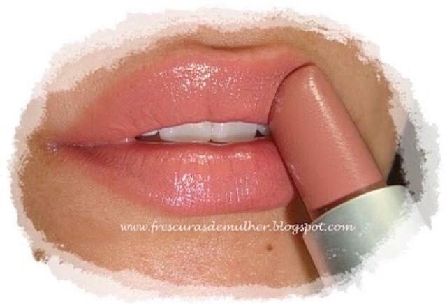 MAC 'Hug Me' lipstick