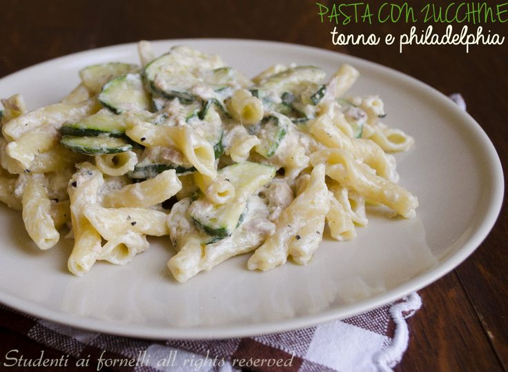 Pasta zucchine, tonno e Philadelphia http://blog.giallozafferano.it/studentiaifornelli/pasta-zucchine-tonno-philadelphia/