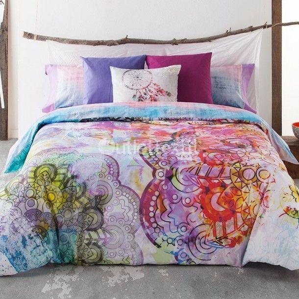 Funda Nórdica NANDA de la firma Lois. Este estampado le da un toque juvenil a la habitación, gracias a sus coloridos donde se fusionan tonalidades como el violeta, el turquesa o el fucsia.