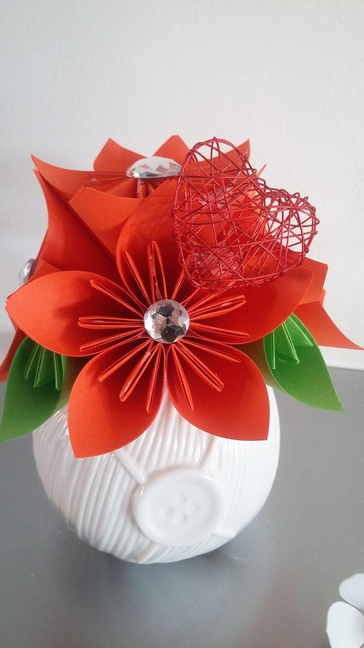 les 33 meilleures images du tableau bouquet origami sur pinterest origami papeterie et autres. Black Bedroom Furniture Sets. Home Design Ideas