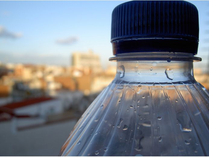 3 Shocking Facts You Must Know Before Reusing Water Bottles - http://bit.ly/1T8akR1