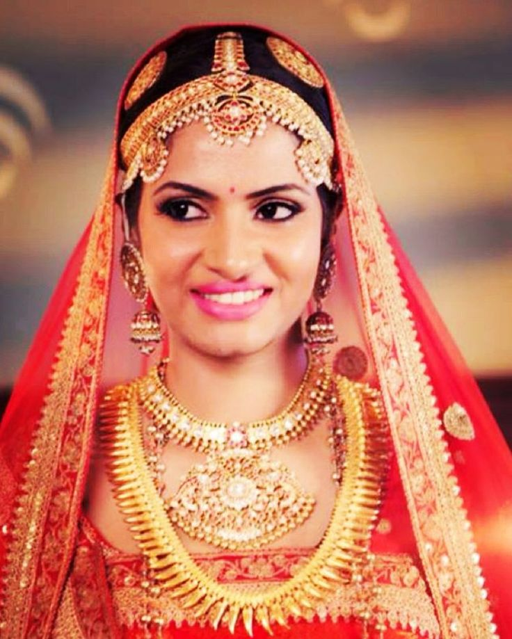 My bride in traditional Corgi attire. Such an eye opener to see how many good looking women and men there are in this part of India!! Stunned!! The bridal season is heavy and my team and I are city and state jumping - each one in a different direction!!! Such devastating hues of gold juxtaposed with sensuous reds and peaches!!! And to know that all the colors are REAL!!! Thank you life!!! Our next batches in hair and makeup start in January so get ready to book!!!!! Call #AHA Academy today!