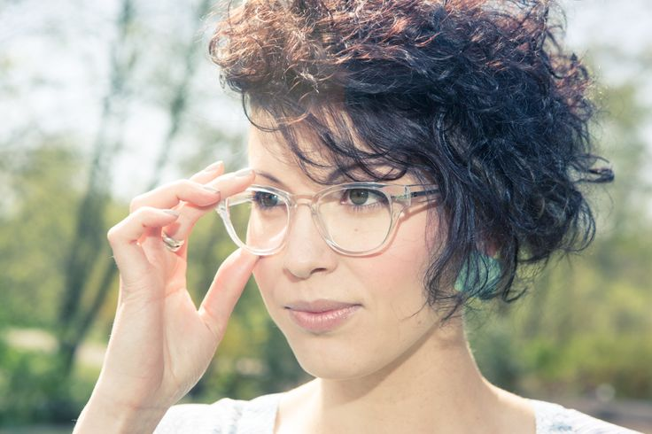 How to Pull off Clear Glasses Frames