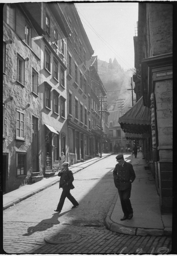 1910, coin de Notre-Dame de Québec.