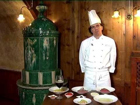 Zuppa di gulasch con canederlo della tradizione trentina