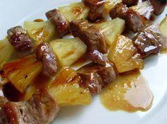 Receta de Brochetas de cerdo con piña de dificultad Muy fácil para 4 personas lista en 45 minutos.