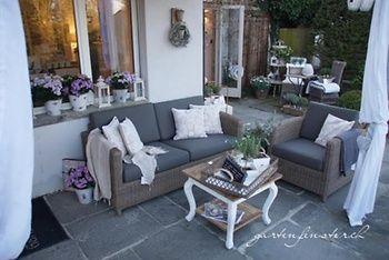 Für dich entdeckt: Moderne Lounge im Gartenfenster