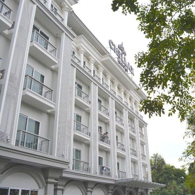 Wish you an awesome weekend. #chillax #CHILLAXRESORT #chillaxhotel #couplehotel #chill #accommodation #bangkok #bangkokhotel #boutiquehotel #beautiful #Luxuryaward #luxuryhotel #igthailand #instabangkok #Instathailand #khaosanroad
