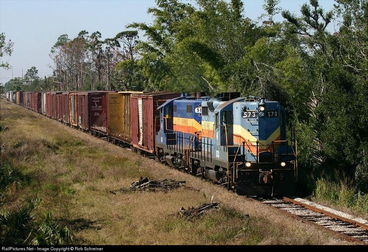Photo SGLR 573 Seminole Gulf EMD GP9 at