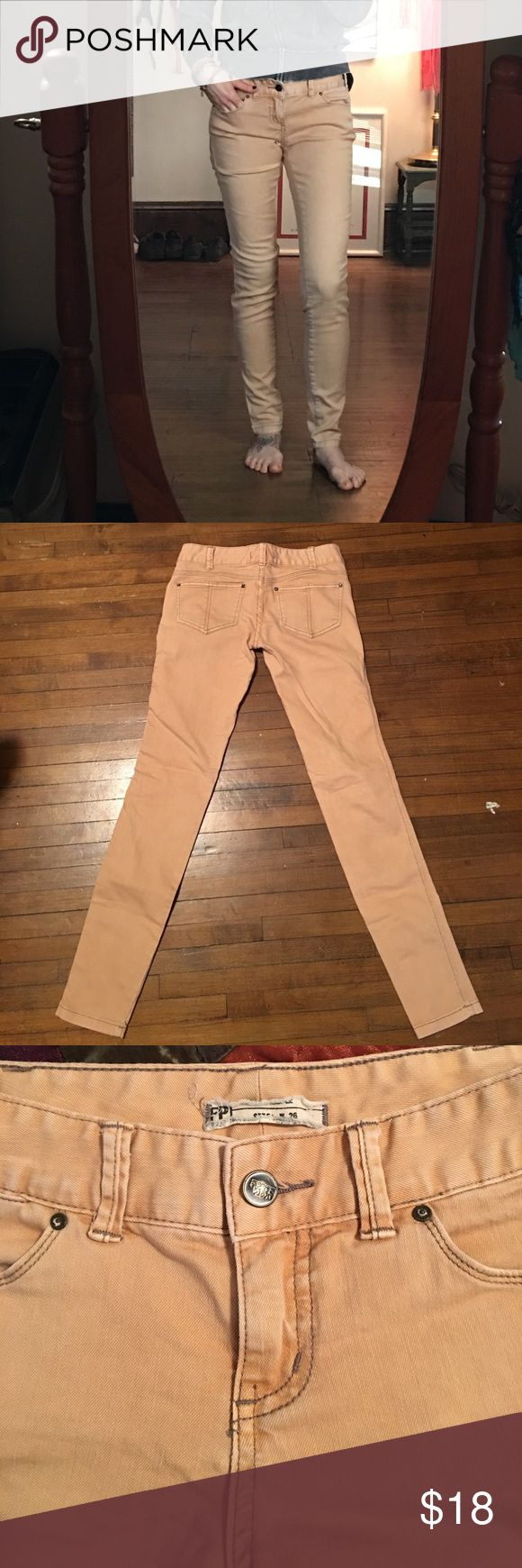 "Free people skinny peach jeans Excellent condition. Waist measures 15"", inseam is 31"" Free People Jeans Skinny"