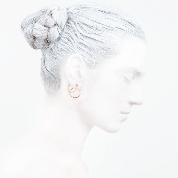 'Elegancy in White' O Collection #leifoojewelry #jewelry #artistic #Geisha #earstud #jewelrydesign #jewelrycombinations