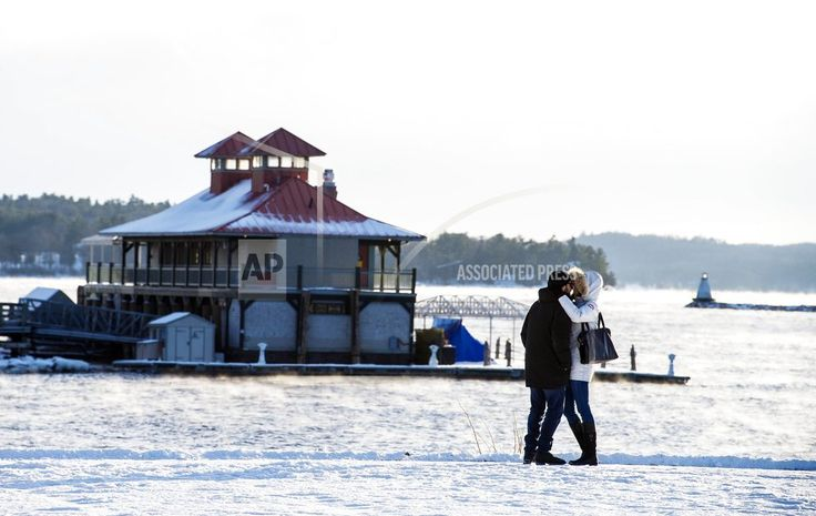 SAVANNAH, Ga./January 03, 2018(AP)(STL.News)—Brutal winter weather that's brought subzero temperatures to parts of the U.S. is threatening to dump snow and ice across parts of the South that rarely see flurries, much less accumulation. The National Weather Service said a wintry mix of snow ... Read More Details: https://www.stl.news/winter-storm-forecast-dump-snow-florida-carolinas/60433/