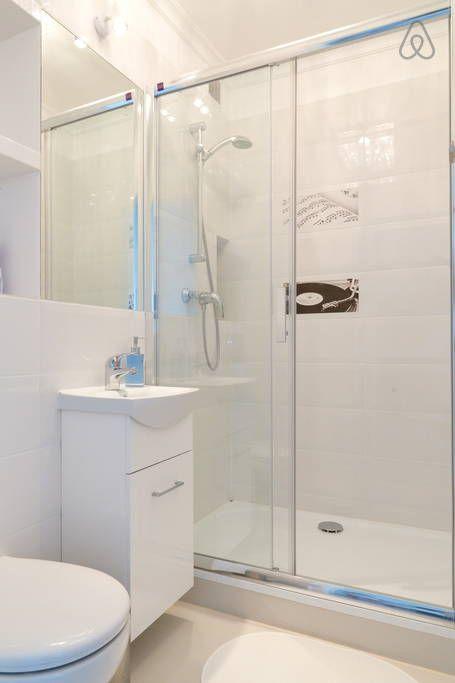 Sprawdź tę niesamowitą ofertę na Airbnb: NEW!STUDIO GLAMOUR CENTER w: Warszawa