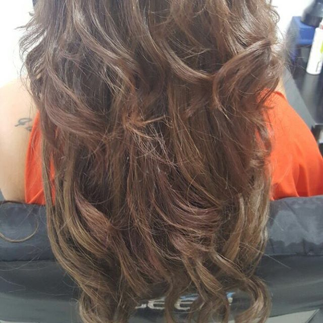 RE: Previous Post @shandre_murray love love love #hairstyles #hairofinstagram #longhairdontcare #hair #hairextensions #humanhairextensions #queenbhairextensions #clipinhairextensions