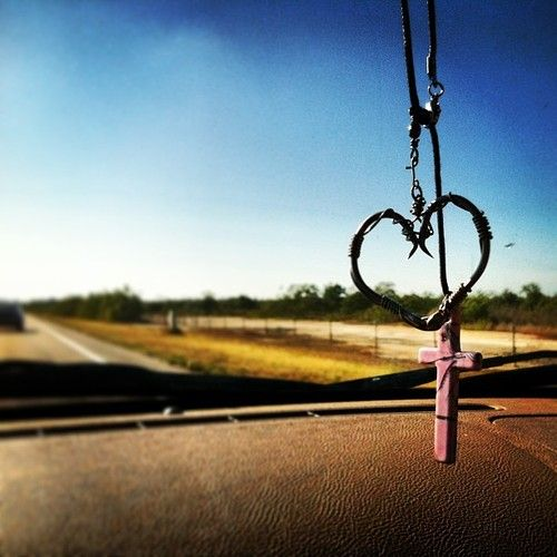 Cutest idea I have ever seen!!! So doing this when/if I get my truck!