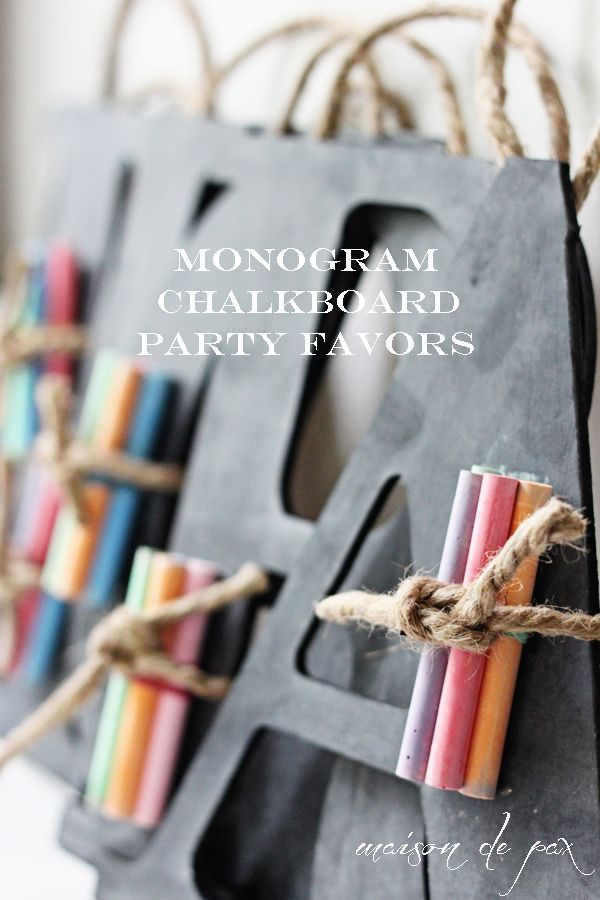 Perfect gift or party favor, these little chalkboards are so precious!  Get the tutorial at http://maisondepax.com