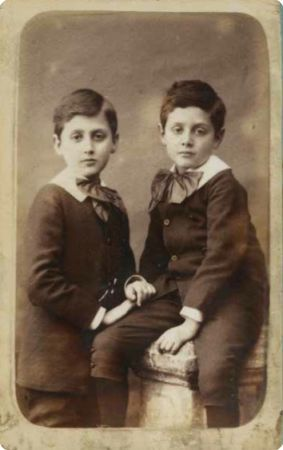 Marcel Proust and brother Robert. From: Catalogue de la vente de la collection Mante-Proust chez Sotheby's le 31 mai 2016.