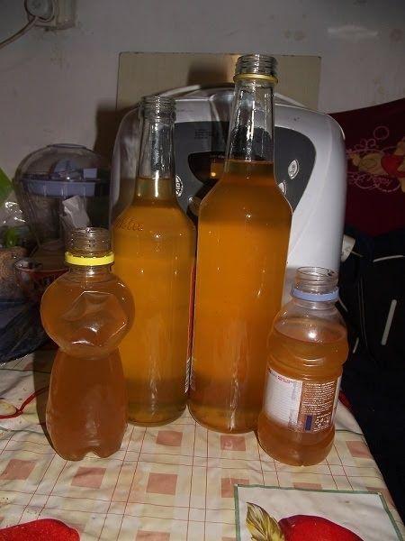 Hozzávalók: 1 liter víz 1,3 kg kristály cukor 5 kávéskanál citrom sav (1,5 dl citromlé is lehet frissen facsarva) 1 vaníliás cukor 20-25 ...