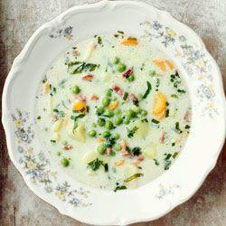 Zupa z zielonym groszkiem, boczkiem i ziemniakami
