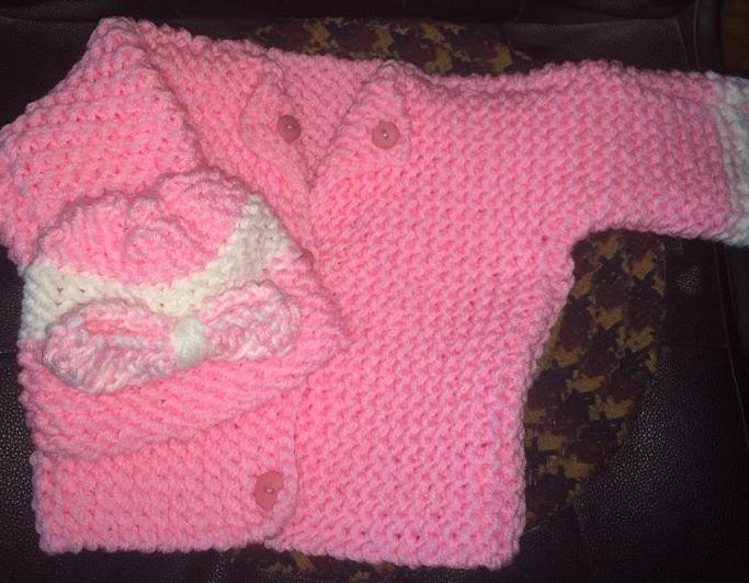 Conjunto para bebé en rosa tejido en telar por Linda