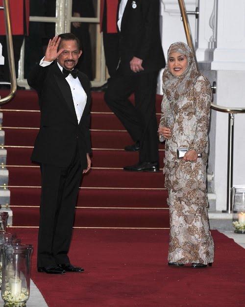 Sultan of Brunei, Sir Hassanal Bolkiah Mu'izzaddin ...