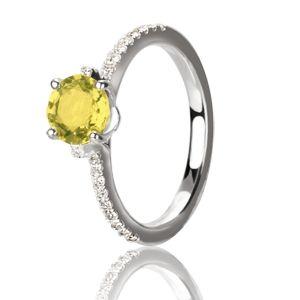 Кольцо для помолвки с желтым сапфиром    http://www.evora.ru/images/big/kolca/beloe-zoloto/zhel--sapfir/kolco-s-zheltym-sapfirom-1-3-karata-i-brilliantami-iz-belogo-zolota-123886-0.jpg